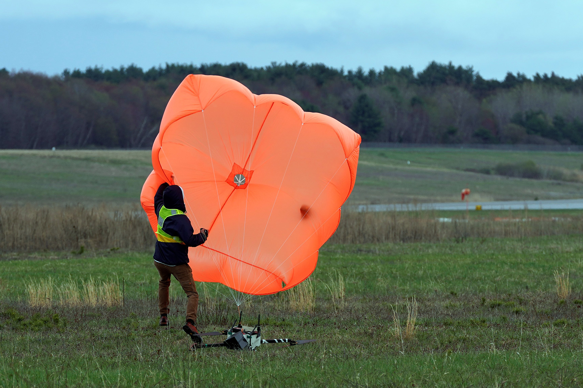 Horsefly Landed Safely with AVSS Parachute